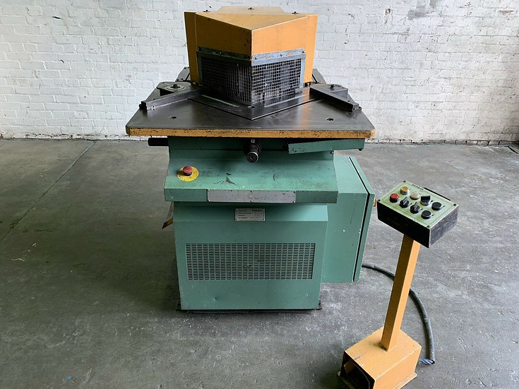 Comaca (Italy) Double Sided Hydraulic Variable Angle Corner Notcher