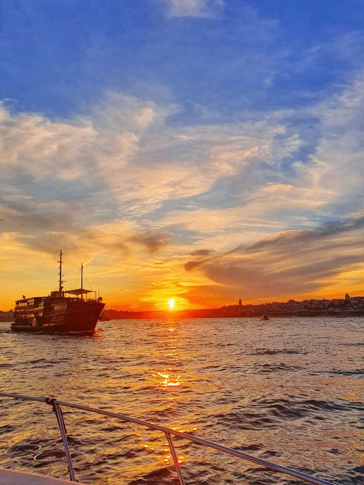 2 Hours Sunset Cruise