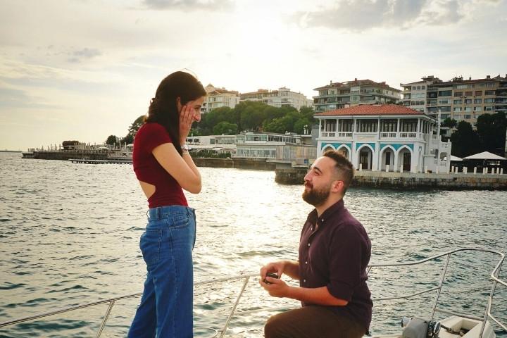 sürpriz evlilik teklifi yatta evlenme teklifi tekne
