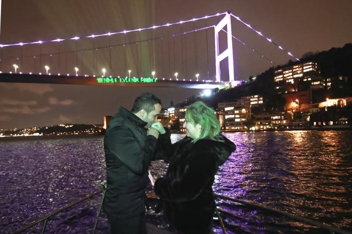 lotus-yat-kiralama-istanbul-evlilik-teklifi-bogaz-turu (2).jpg