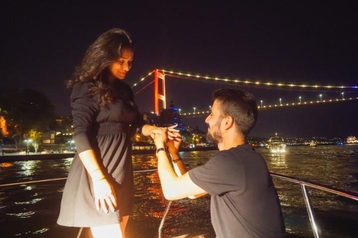 lotus-yat-kiralama-istanbul-evlilik-teklifi-bogaz-turu (22).jpg