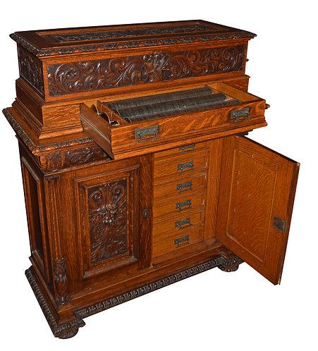 Outstanding Oak Music Box