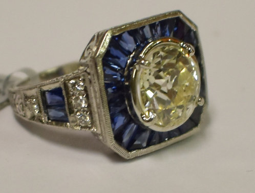 2.75 cts of Sapphire, 3cts of Diamonds Ring