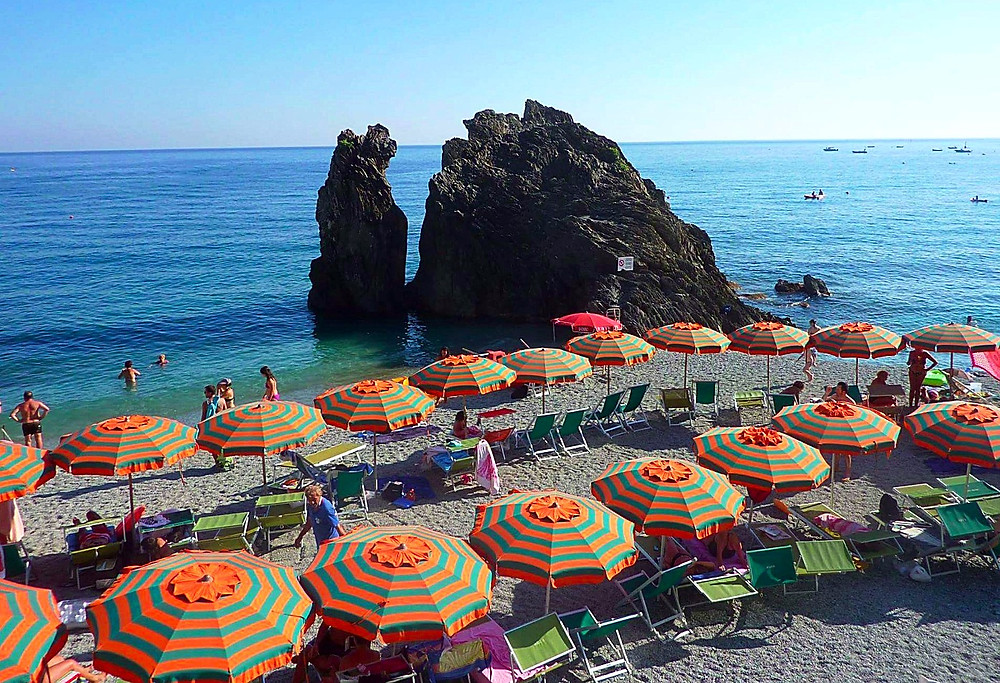My photo reference of Monterosso's stunning beach.