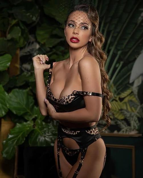 Abigail Mac