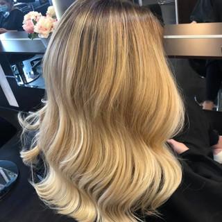 Blond-1-Haarschnitt-Hairdesign Johanna