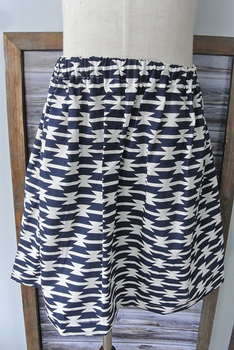 blue & cream colored skirt size 6