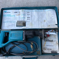 """Makita """"sawzall"""" with case and instructions"""