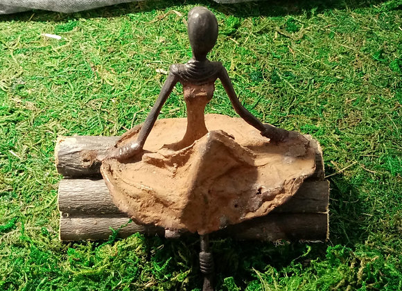 Statuette Demoiselle assise