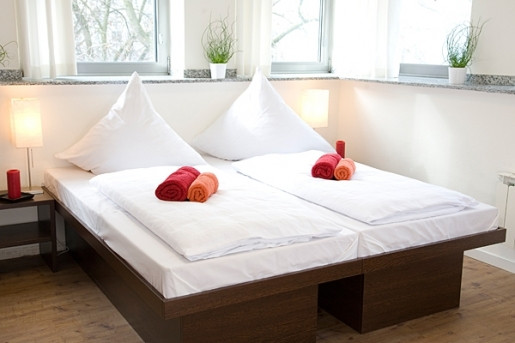 Twin beds at Hostel Kohn, Cologne