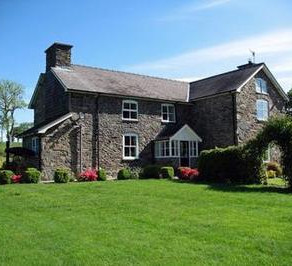 Places to Stay in Mid Wales