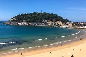 La Concha beach San Sebastian.jpg