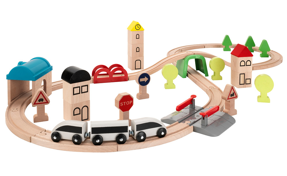 Wooden play tracks