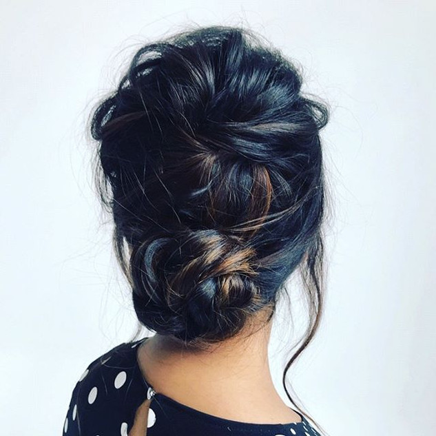 Throwing it back to this gorgeous updo I #inspiration #bridal #updos