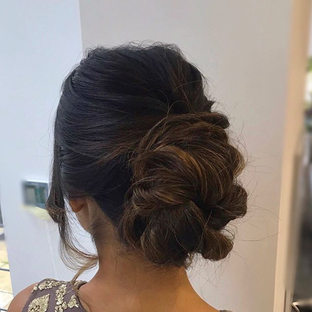 Such a beautiful, textured updo for this #inspiration #bridal #updos