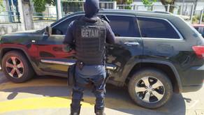 Policiais do GETAM recuperam veículo roubado em Itabaiana.