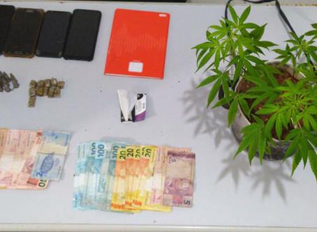 Polícia Civil fecha locais de venda de drogas e prende dois homens em São Domingos