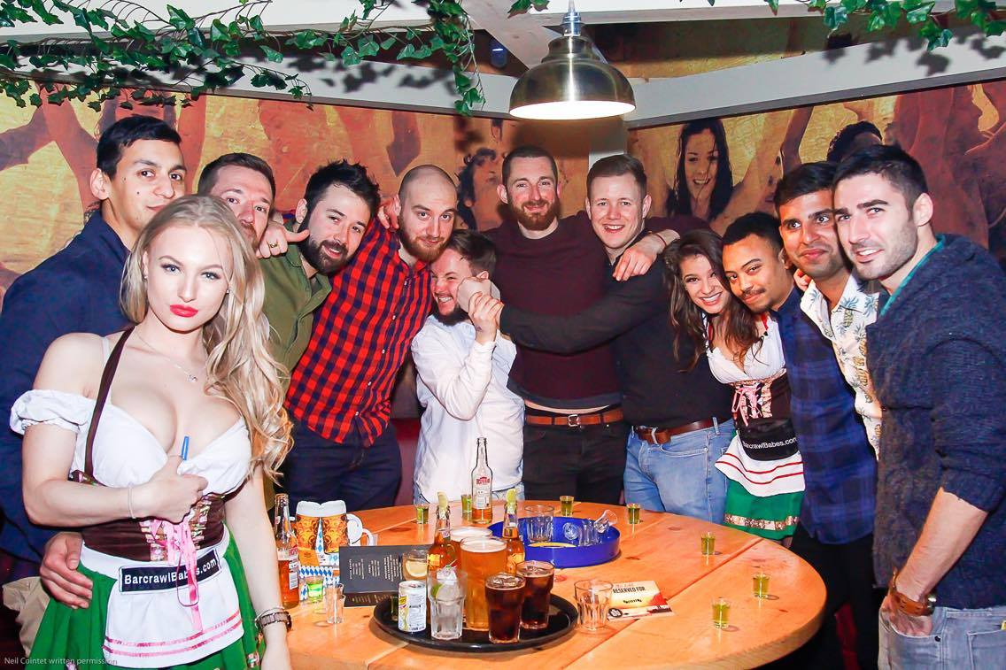 barcrawl babes, stagdo barcrawl