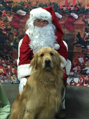 PetPALS_Pets_with_Santa5.jpg