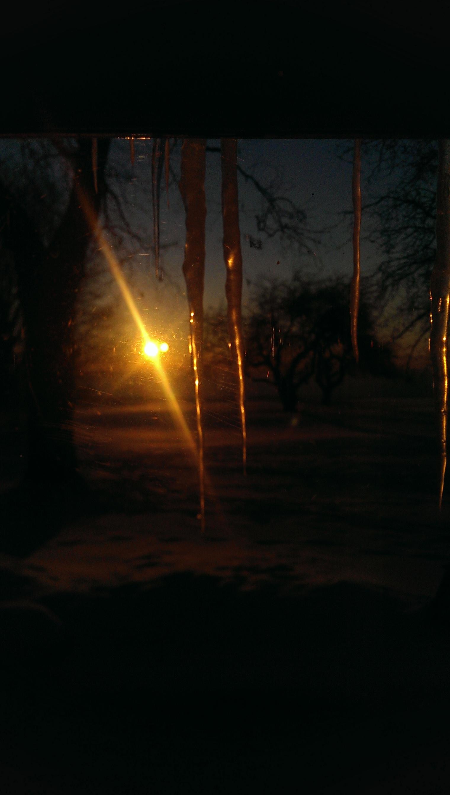 SunriseIcicle3.jpg