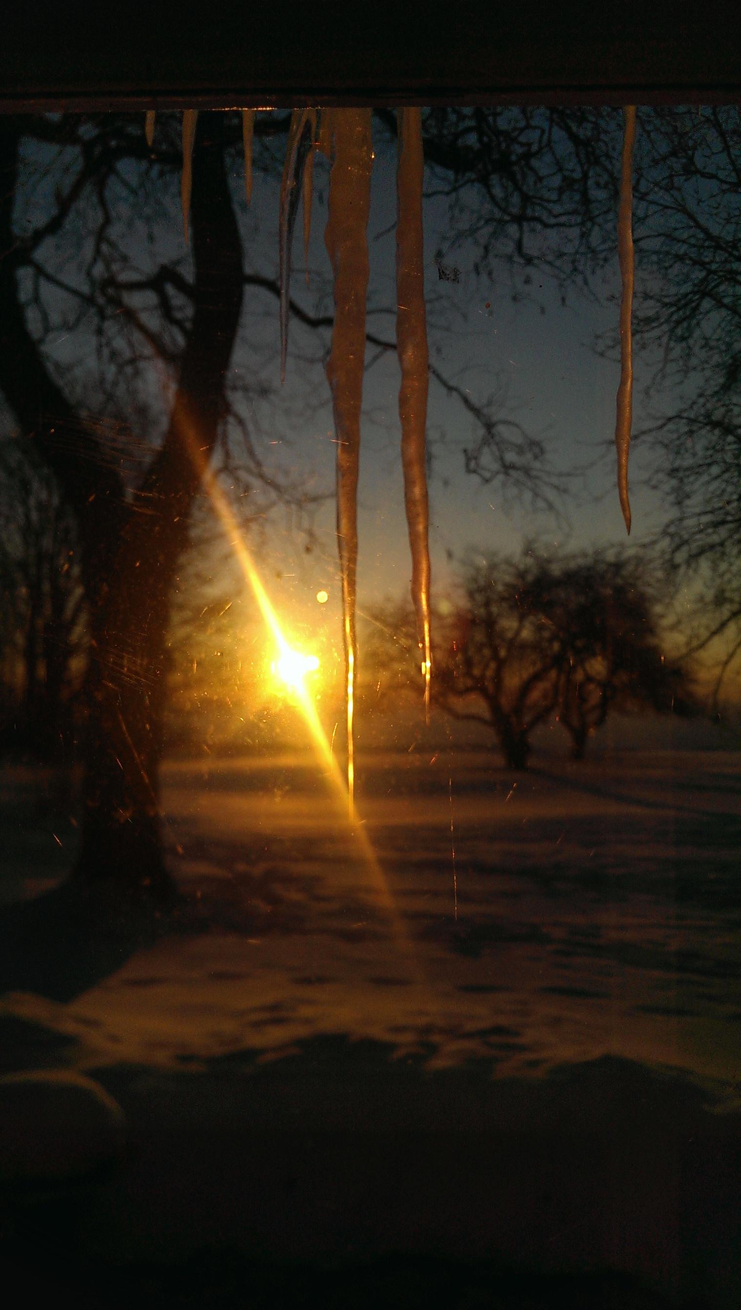 SunriseIcicle2.jpg