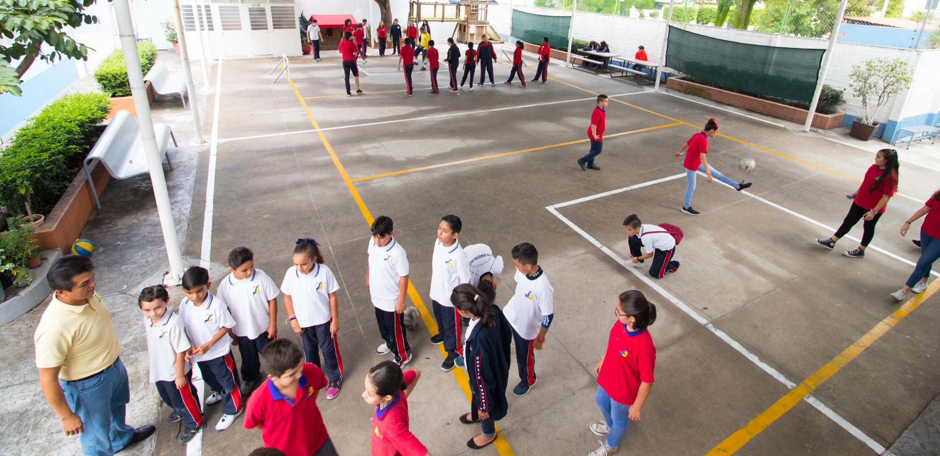 Colegio Bilingue - Recreo Primaria