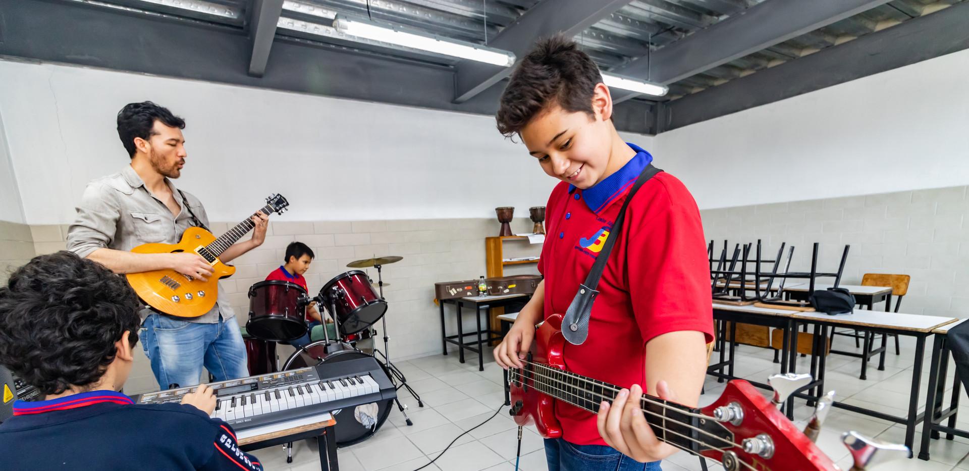 Colegio Bilingue - Clase de música