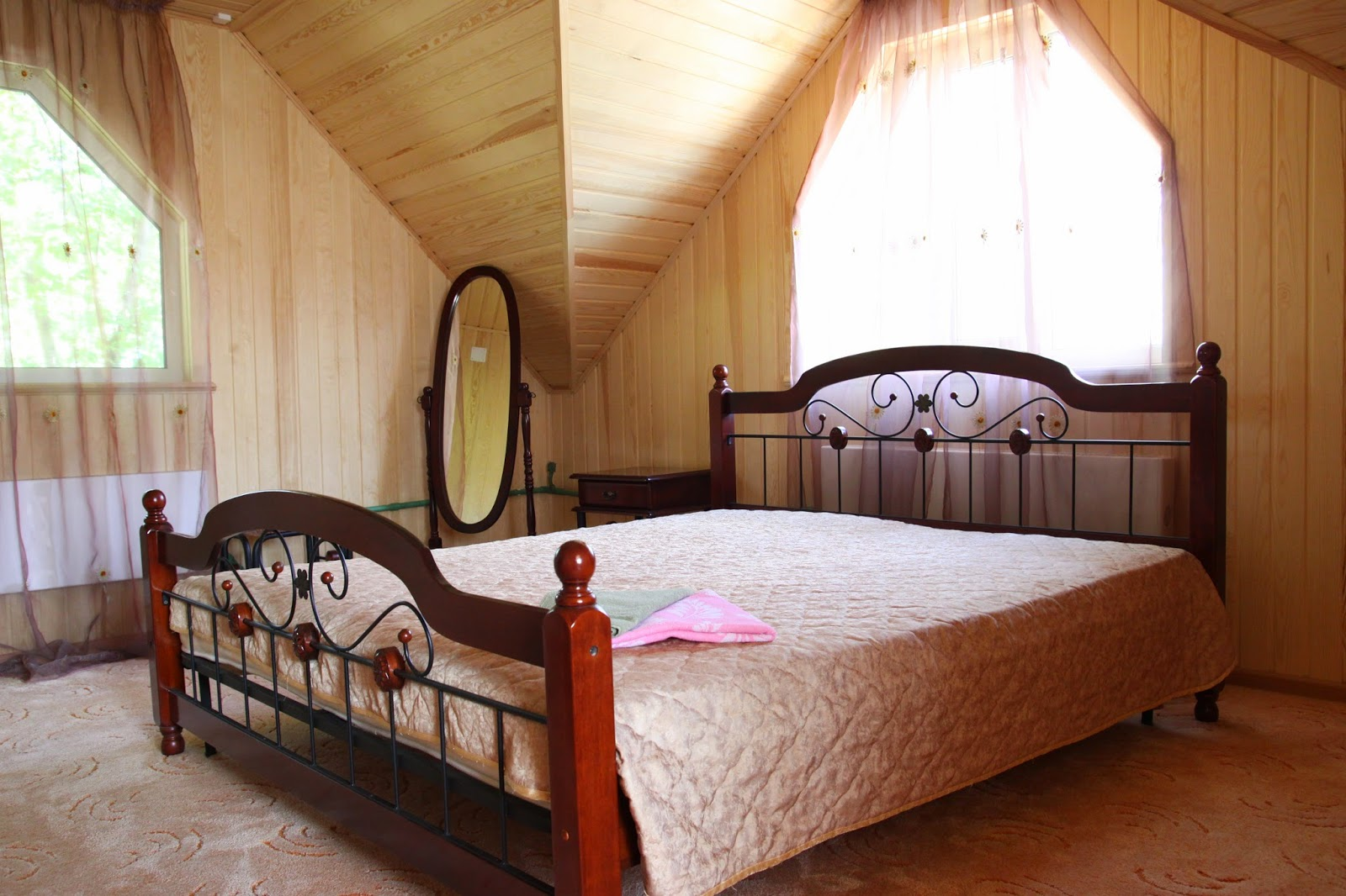 Большой дом (2 спальня)