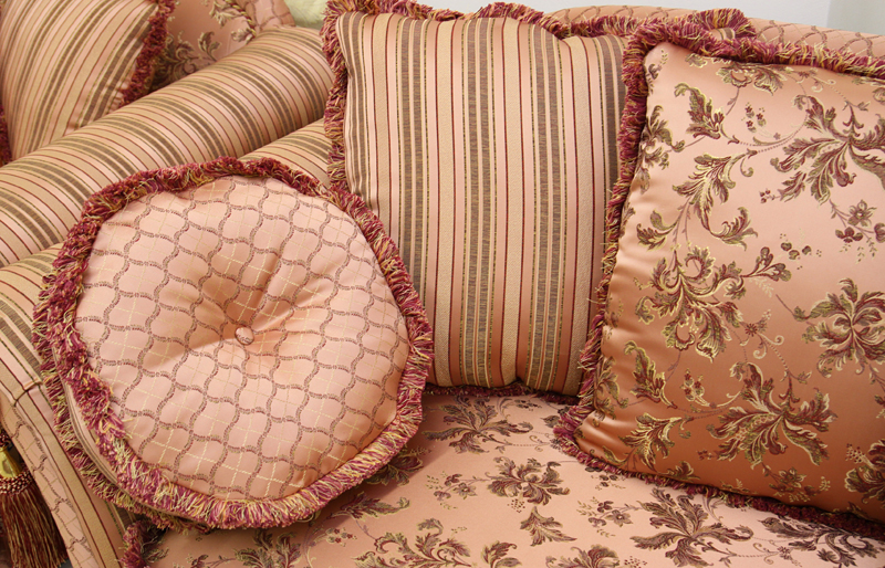 Елизавета 2. подушки