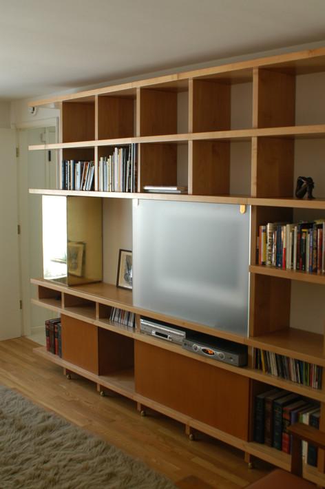 Shelton Shelves