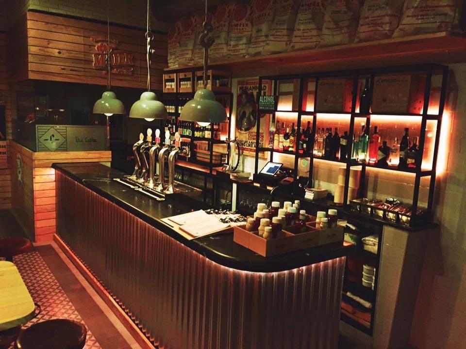 The Cabin Cádiz bar