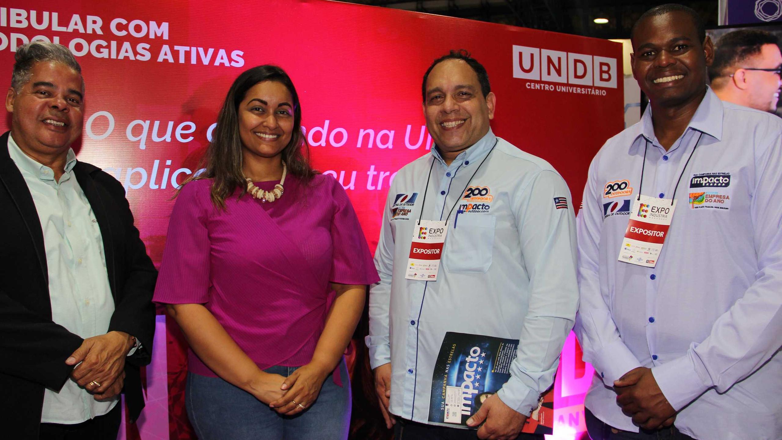 Nathália Ramos (UNDB e DB) entre Jorge Maciel, Paulo Lima e Marcelo Vieira da Impacto Outdoor.