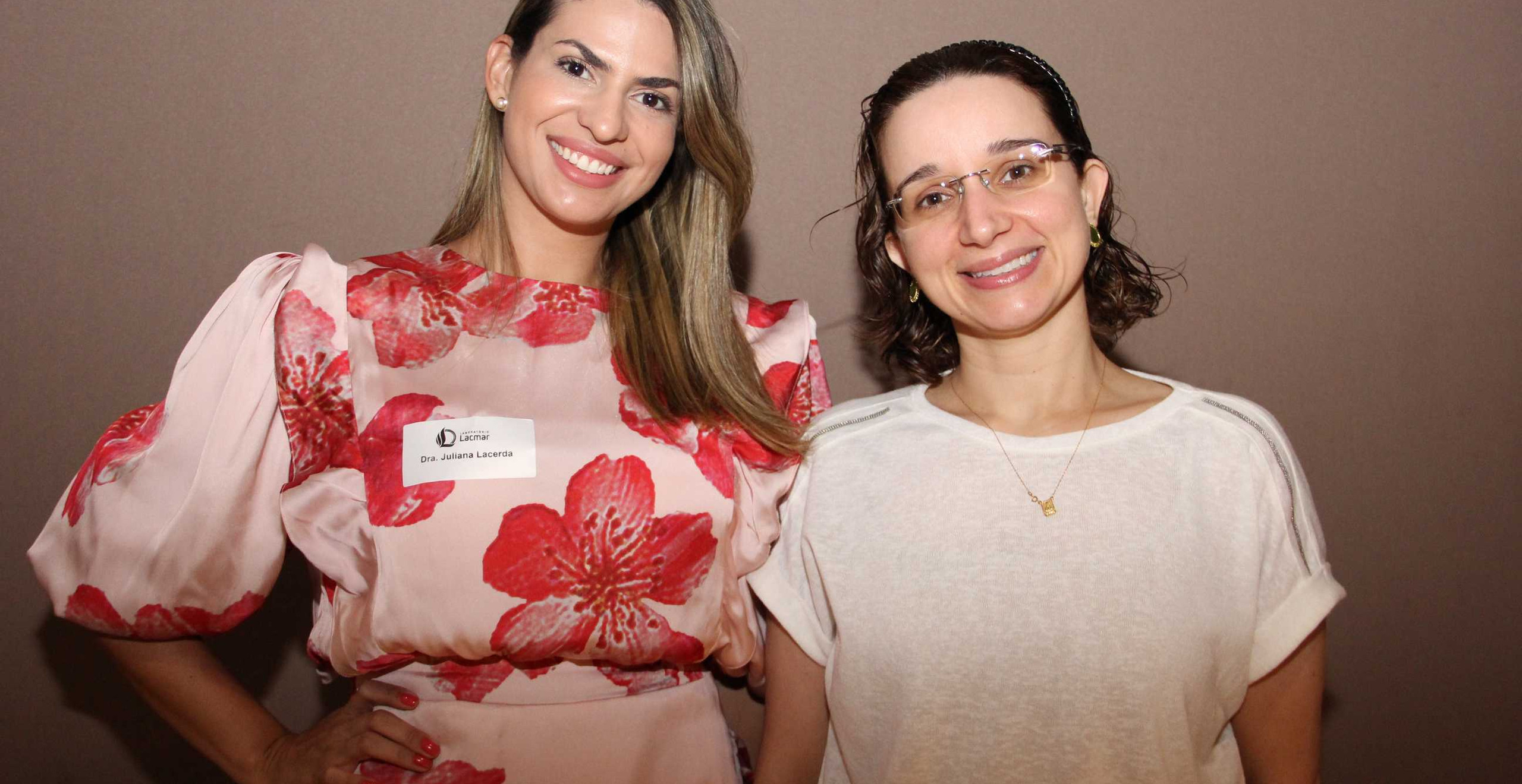 As médicas Juliana Lacerda e Izabel Salgado.