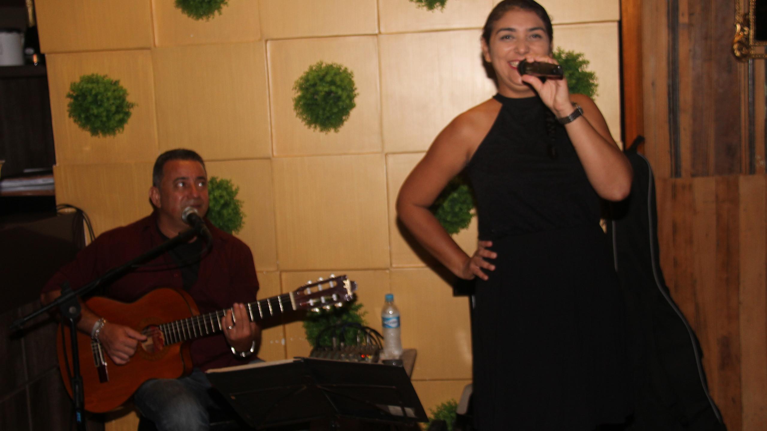A cantora Katiana Duarte que encantou a todos com sua doce voz.