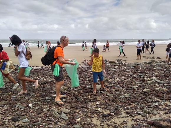 Voluntários se mobilizam a favor do meio ambiente
