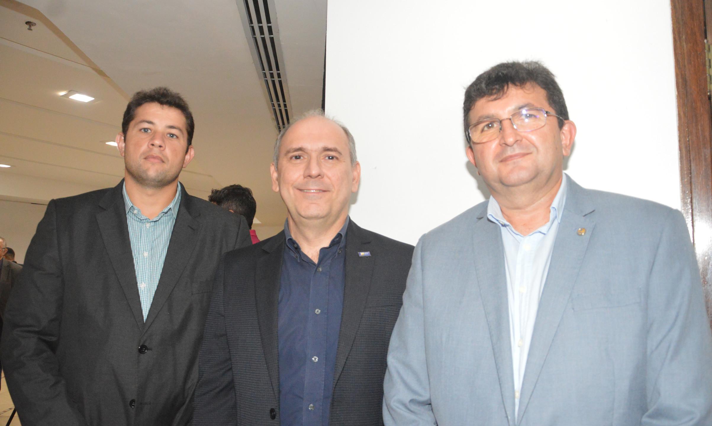 Bruno Carvalho (OAB-MA), Fábio Ribeiro e João Conrado (Presidente CRC-MA)