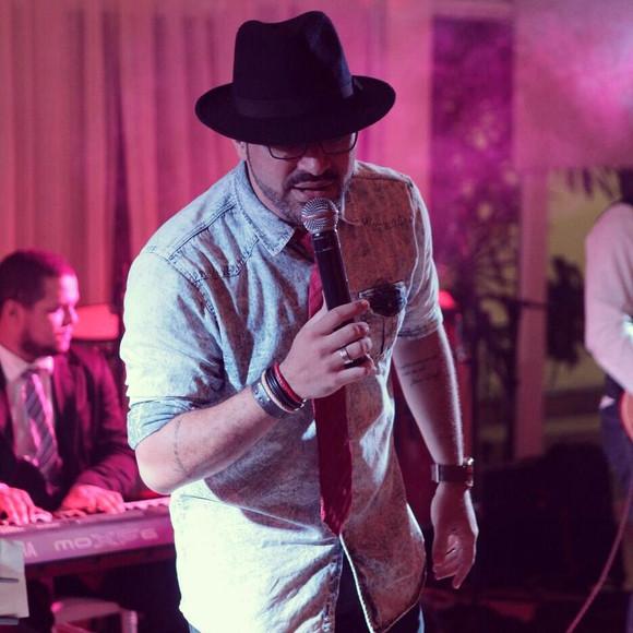 Mário Filho no projeto Música na Praça do Shopping da Ilha nesta sexta-feira