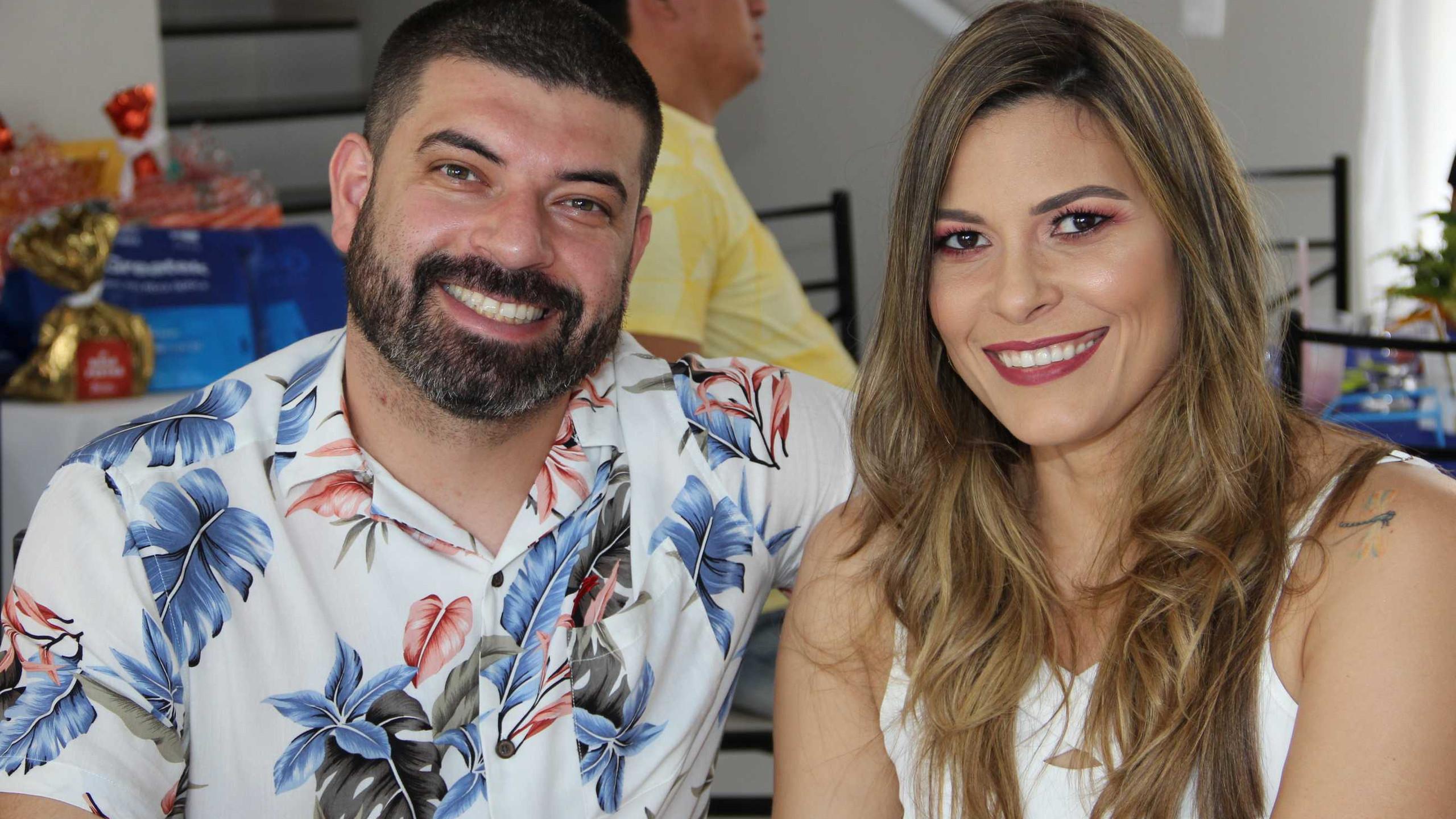 César Santos e Priscila Almeida.