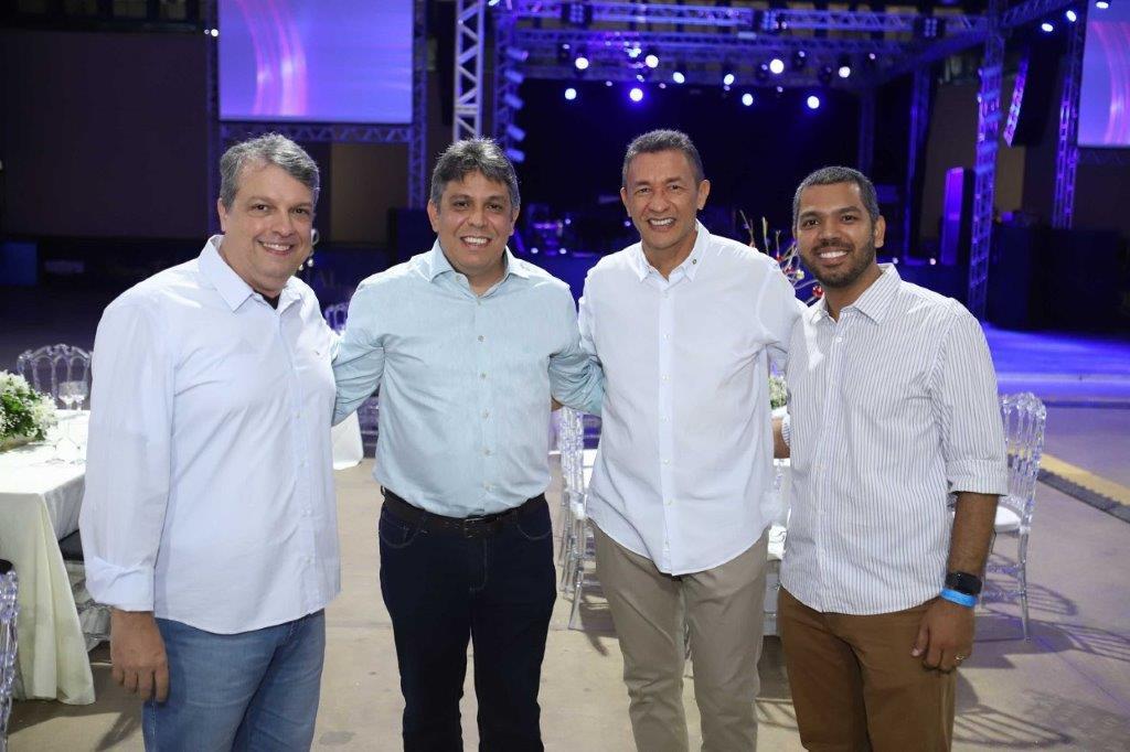 O Pres da Equatorial MA Augusto Dantas com o Sup Paulo Medeiros e Luiz Carlos Cardoso e Laércio Carneiro do MKT.