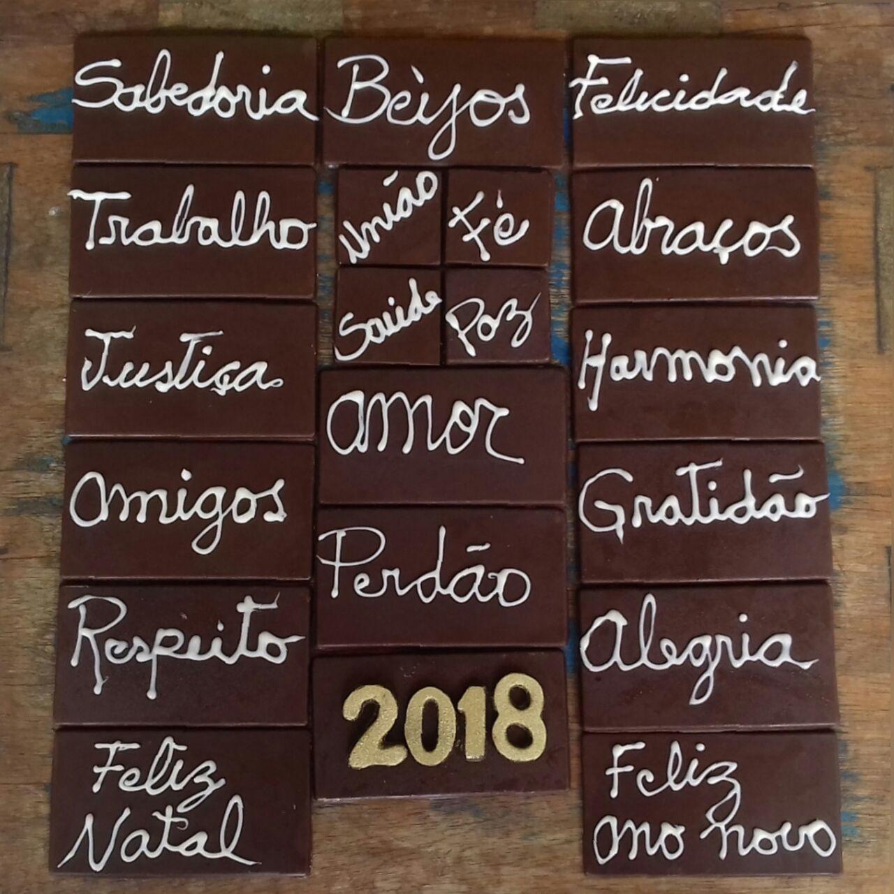 """A exclusiva novidade da Alucinnante Mordidade para esse Natal: """"Caixa de Desejos 2018"""" com diversas barras de delicioso chocolate belga e votos de coisas boas."""