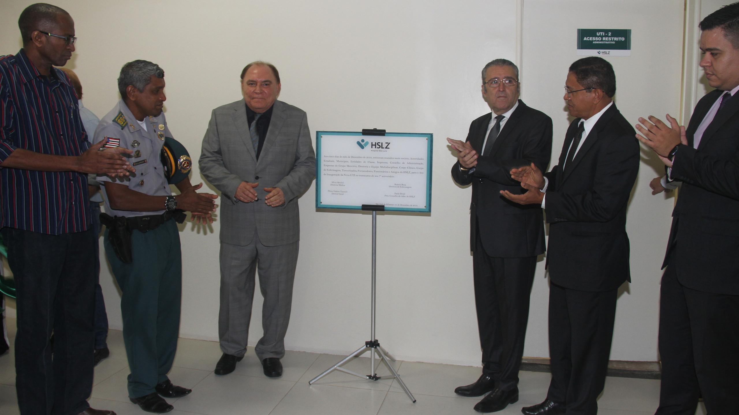 Cleilton Lopes (Sind. Servidores Estaduais), Cel. Bayma (PMMA), Paulo Braide e Plínio Tuzzolo (HSLZ / Grupo Mercúrio), Idelvalter Nunes (Defensoria Pública) e Guilherme Aranha (SEGEP) no ato de inauguração da mais nova UTI do Hospital São Luís (HSLZ).
