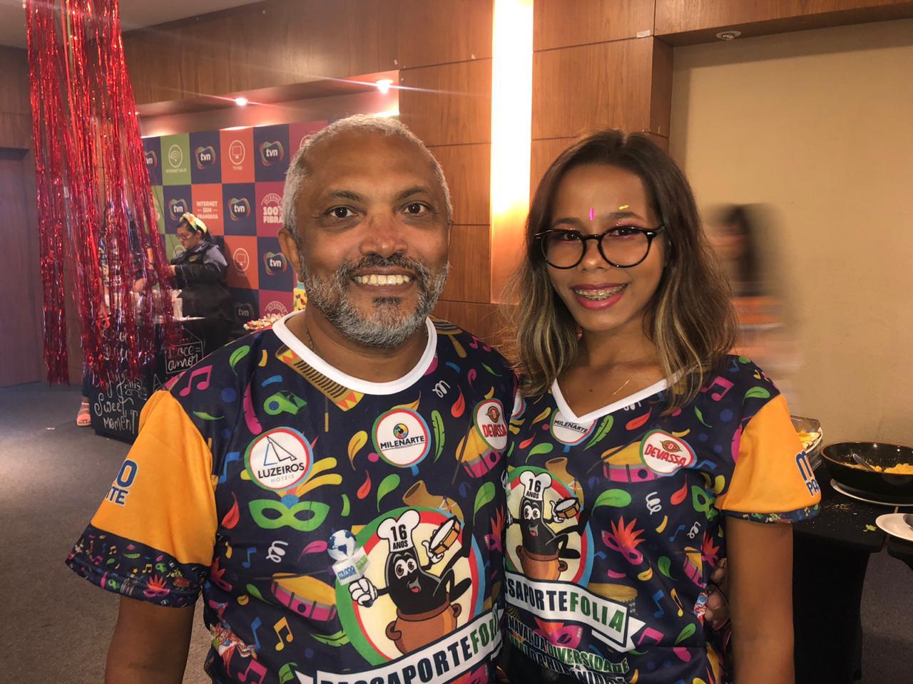 Reginaldo Rodrigues (Site Cazumbá) e Eveline Costa.