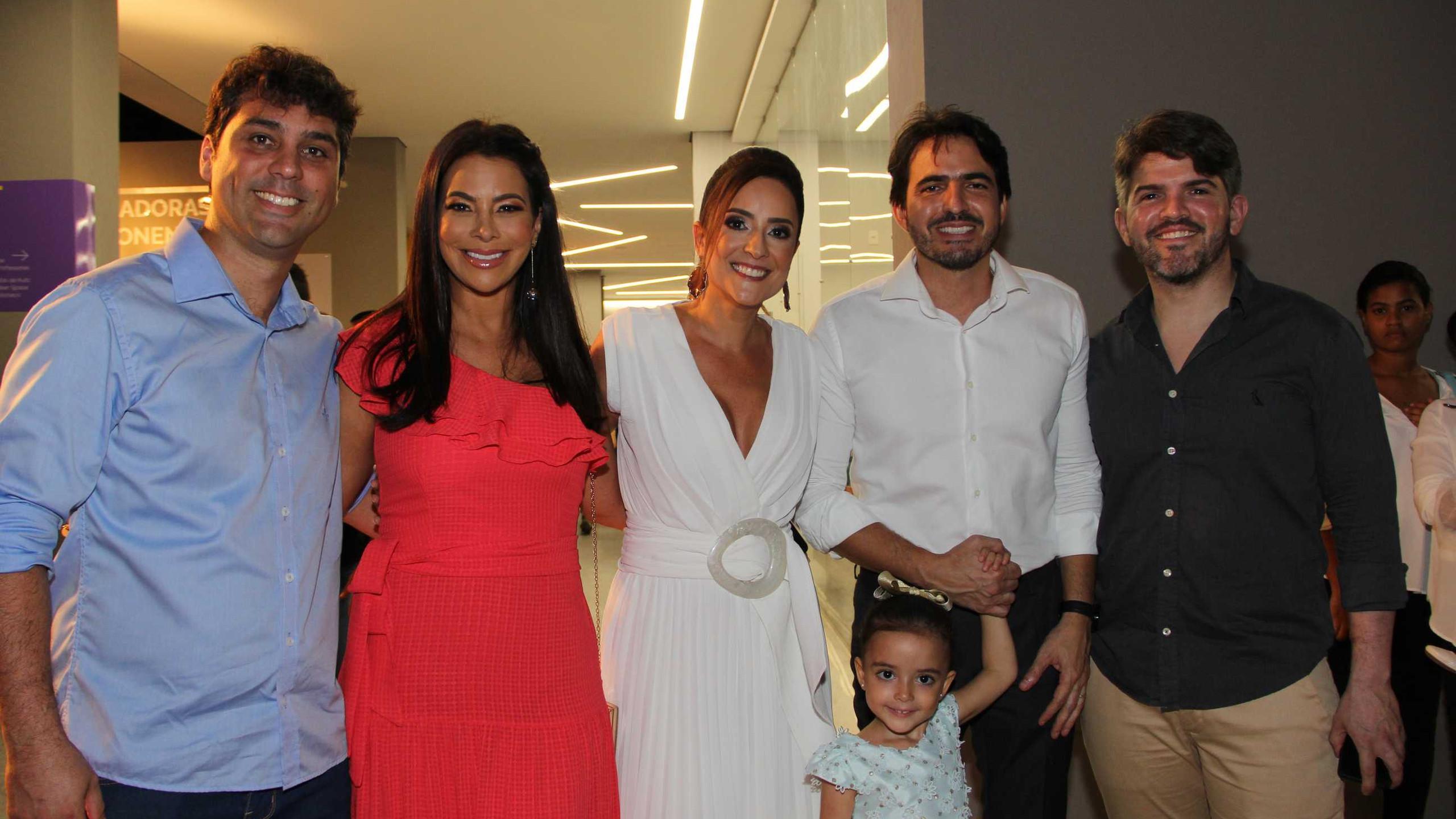 Luís Otávio Silveira e Fabrícia, Raíssa Murad e Rodrigo Lauande com a filha e Oton Lima.