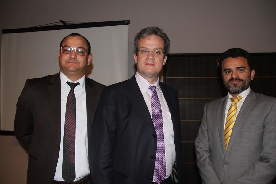 Os promotores do evento, à frente do CEASA-MA, os advogados Marcelo Vaz Lobato, Ulisses César Martins de Sousa e Marco Antonio Coêlho Lara.