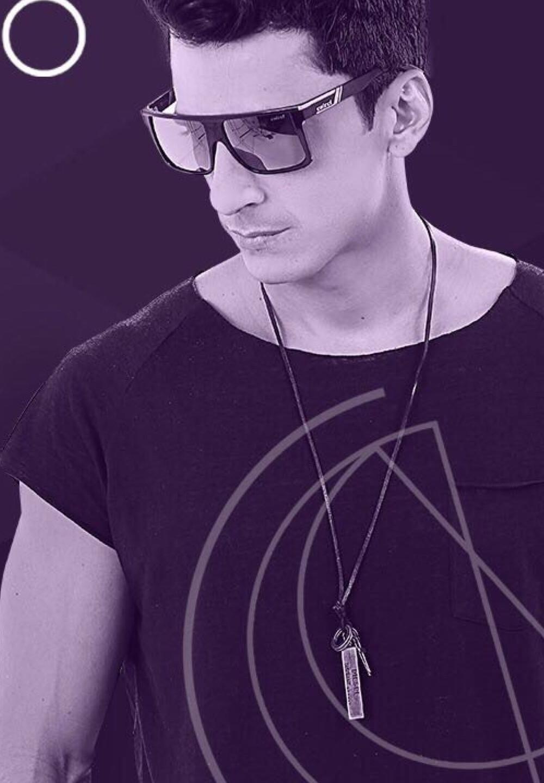 DJ Cahio, residente do Mokai, comanda a noite de house music no feriado dessa sexta (08.12).