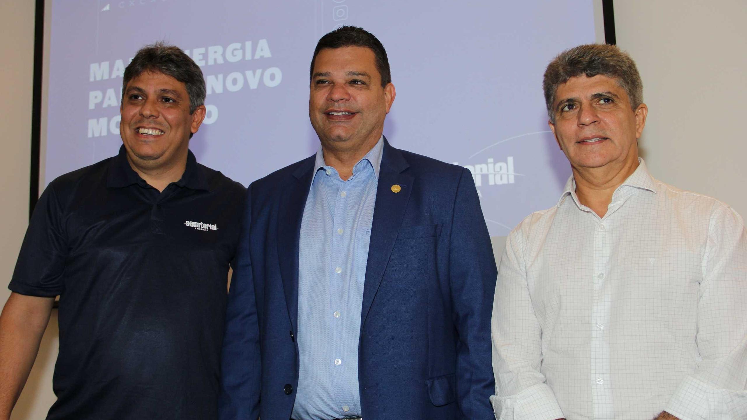 O Pres do Sinduscom – MA entre Augusto Dantas e Augusto Miranda.