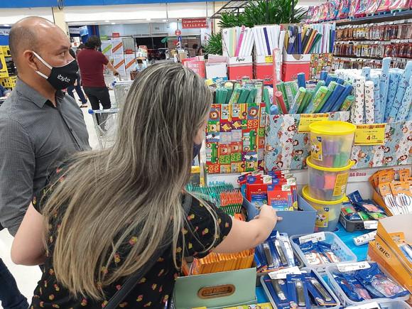 Material escolar: supermercados são a aposta do consumidor na volta às aulas
