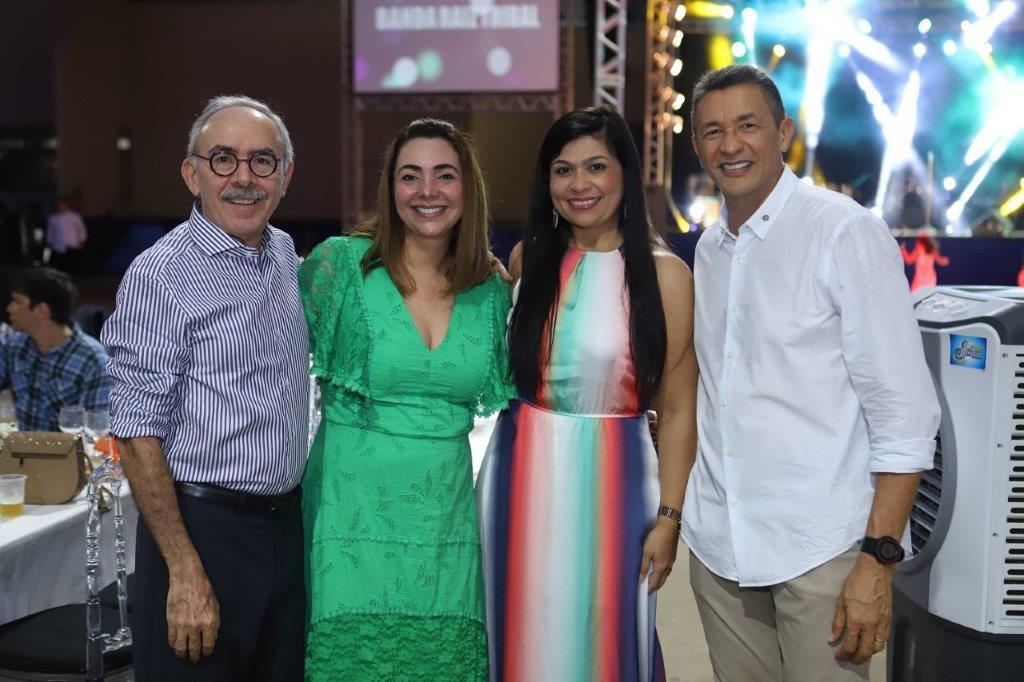 O Dir de Relações Institucionais José Jorge Soares com as Gerentes Jaqueline Guimarães e Francila Bezerra e o Executivo de Comunicação Luiz Carlos