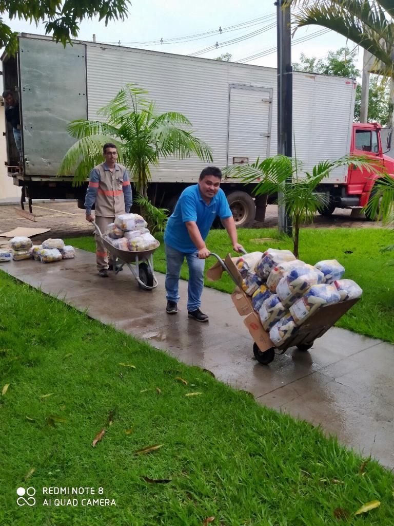 Doação de 14 toneladas de alimentos