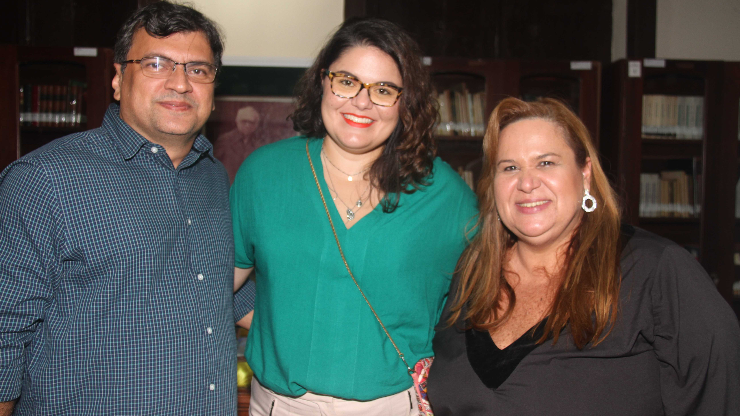 Jornalistas Itevaldo Jr., Roberta Gomes e Danielle Vieira.